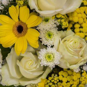 Composizione_Fiori_bianco-giallo